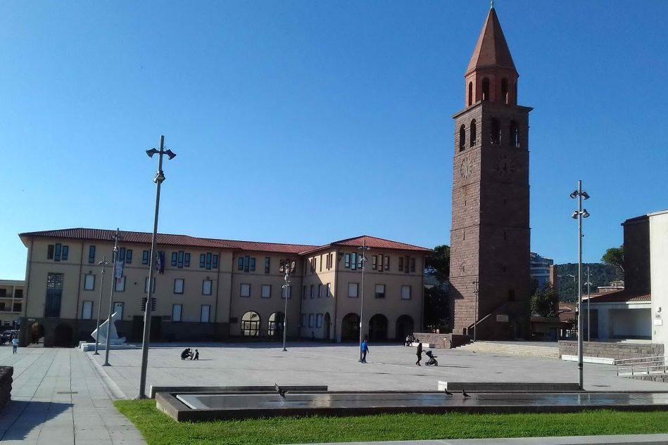 Il municipio di Carbonia (foto Scano)