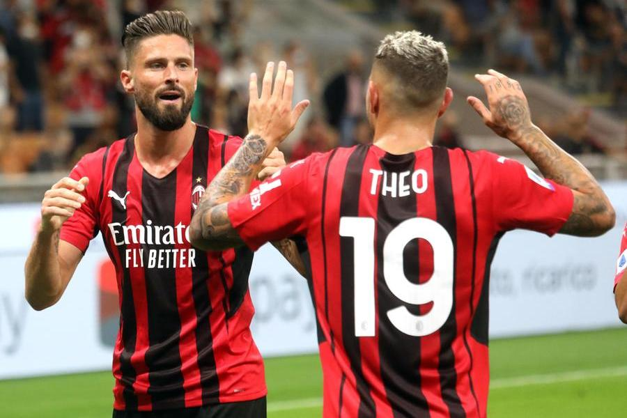 Non c'è storia a San Siro, Cagliari travolto 4-1 dal Milan: succede tutto nel primo tempo