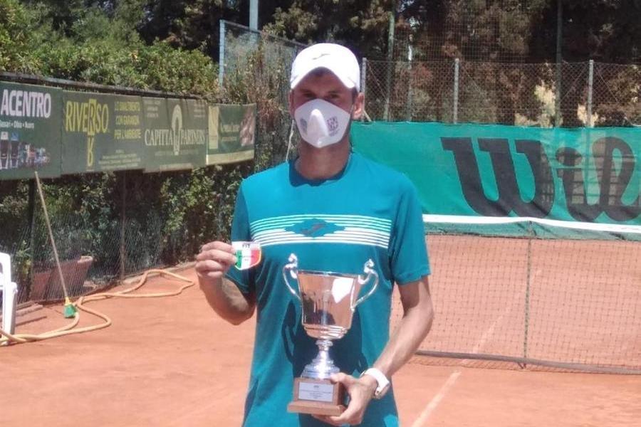 Tennis, a Cagliari al via gli Assoluti di Seconda