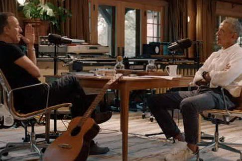 """""""Born in the USA"""", il podcast con l'inedita coppia Springsteen-Obama"""