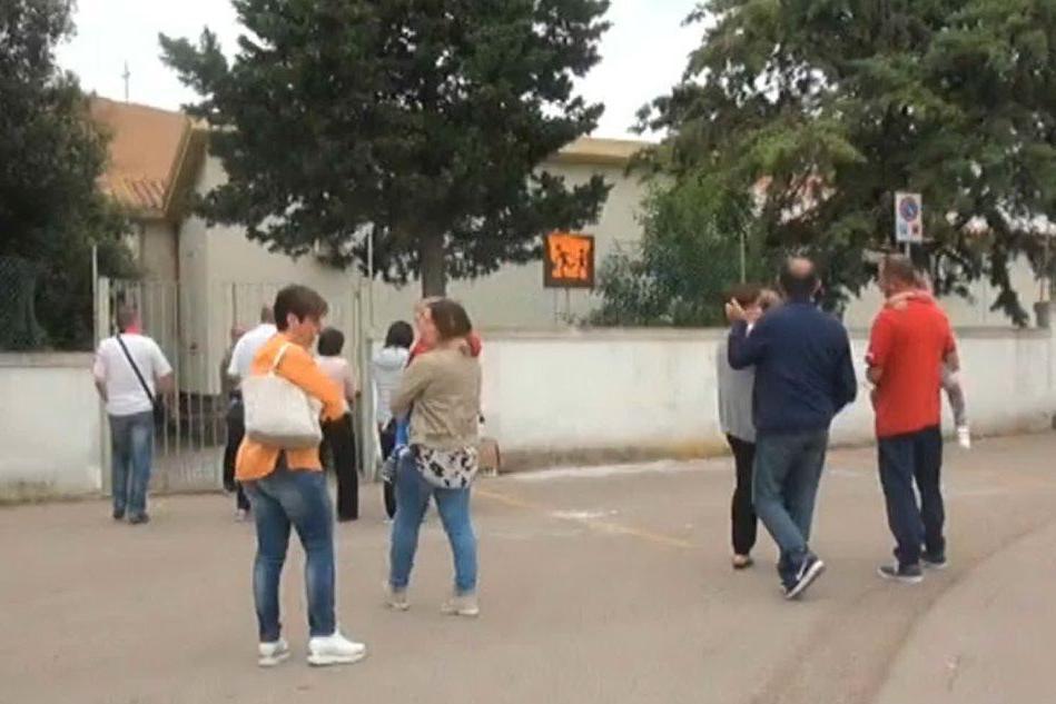 Sassari, a Ottava chiude la scuola per lavori. Ed è polemica