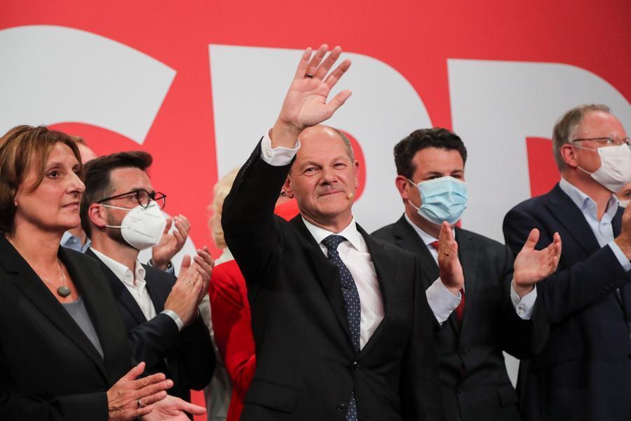 Elezioni in Germania, vittoria di misura dei socialdemocratici. Crollo Cdu