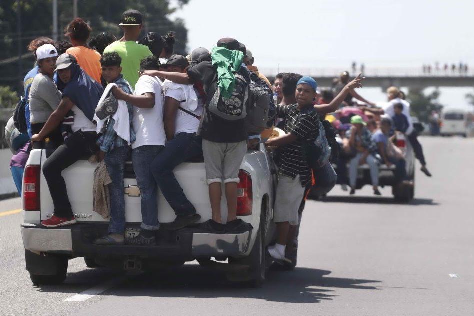 Carovana migranti: il Messico offre permessi di soggiorno temporanei VIDEO