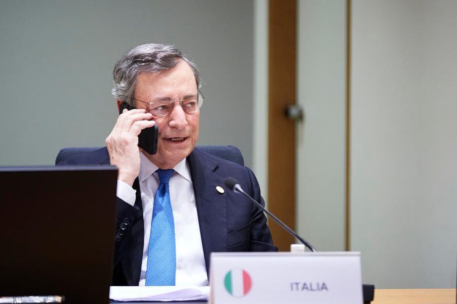 """Draghi: """"Ue non finanzierà muri anti-migranti"""". Schiaffo a Salvini su Quota 100: """"Non verrà rinnovata"""""""