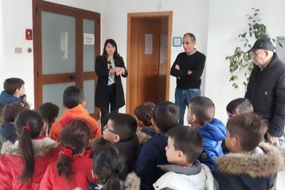 Serdiana, i piccoli cittadini incontrano il sindaco e visitano il Municipio