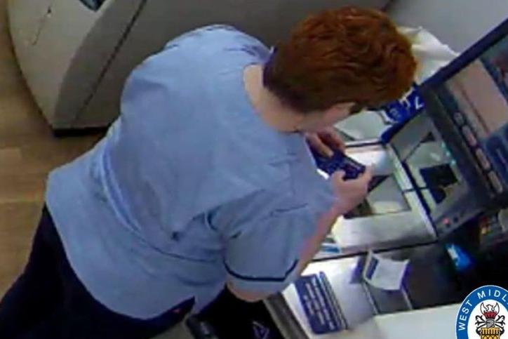 Infermiera ruba la carta di credito di un paziente in fin di vita per comprare vestiti e borse