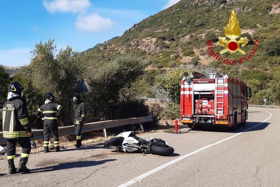 Con la moto contro il guard-rail: centauro perde la vita a Bosa