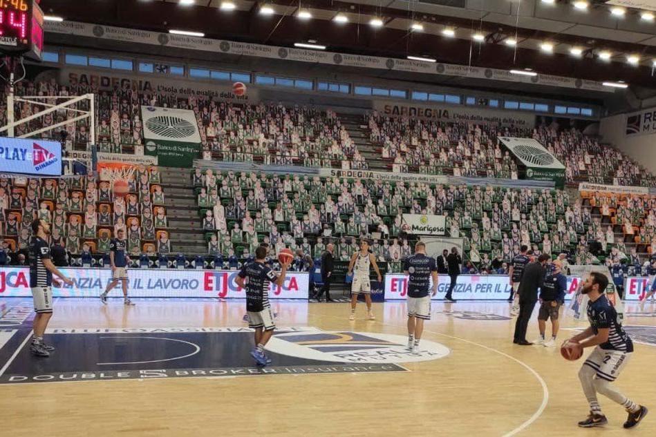 Dinamo, positivi al Covid nel gruppo squadra. Salta la sfida con Trento