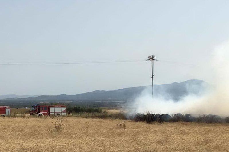 Incendio vicino alla statale 197: rallentamenti a Sanluri