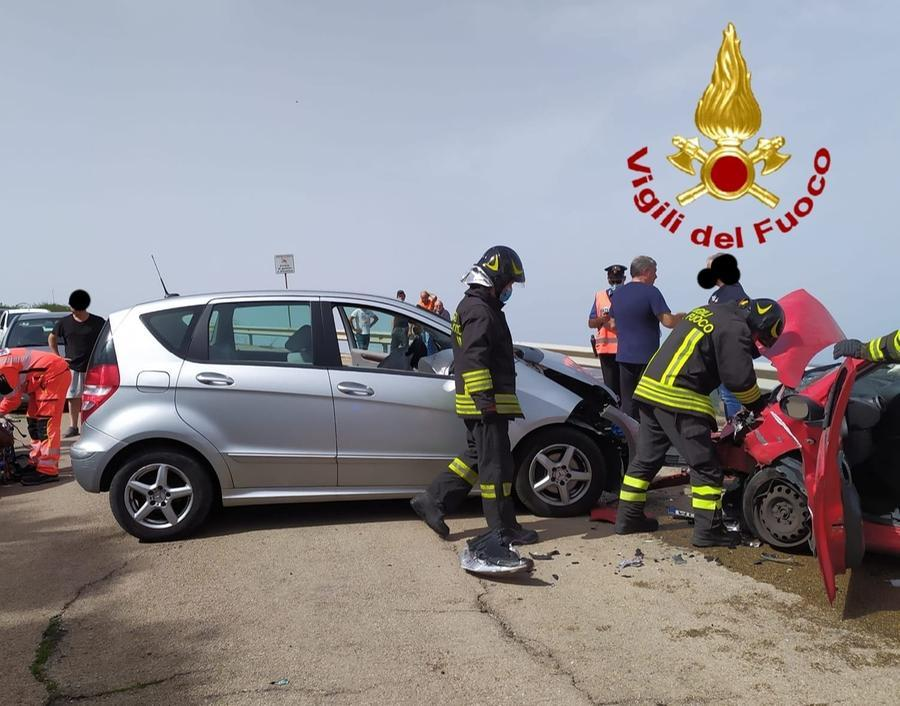 L'incidente (foto Vigili del fuoco)