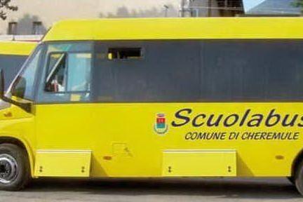 Il nuovo scuolabus (foto concessa dal comune di Cheremule)