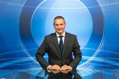 Non ha il green pass, il direttore di Fano tv conduce il Tg all'aperto da San Marino