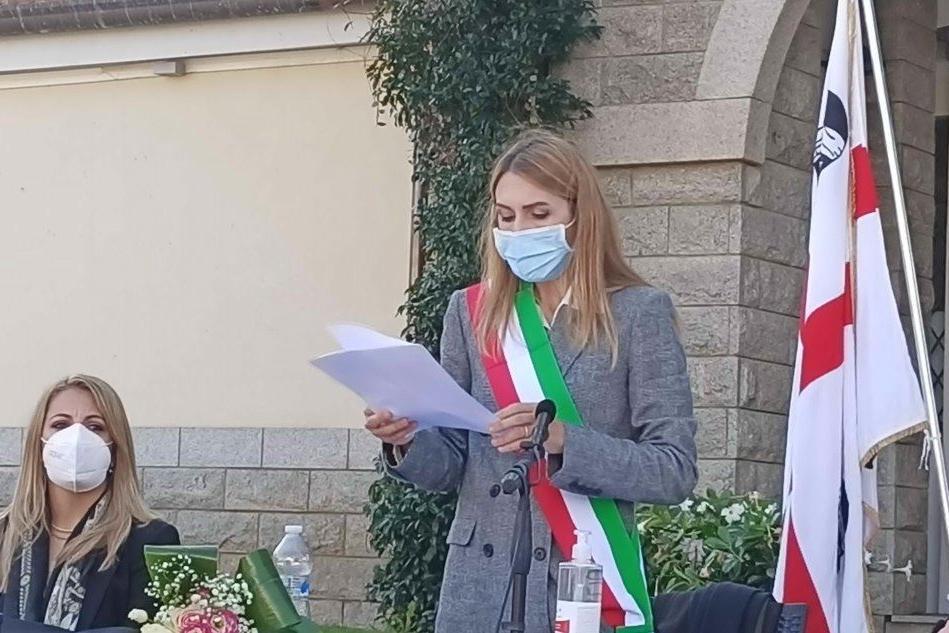 Il sindaco Rita Deretta durante il suo discorso (foto Lecca)