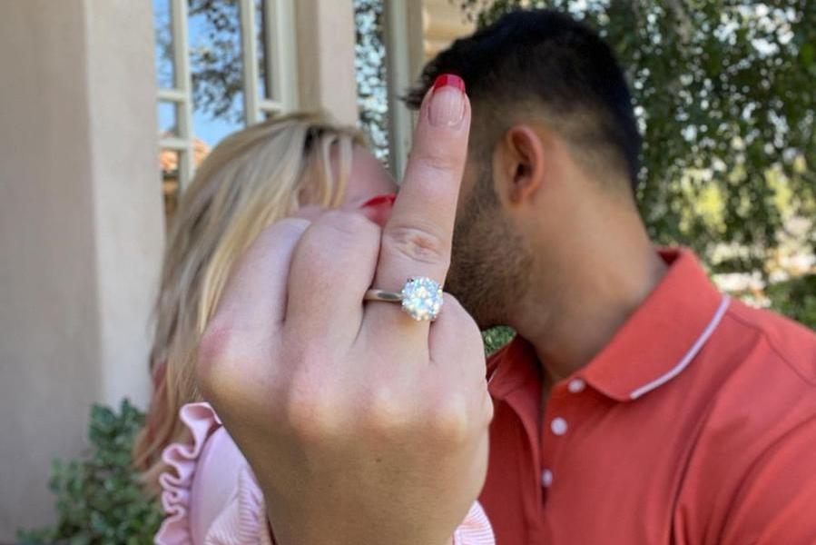 """Britney Spears si sposa con Sam Ashgari: """"Non ci posso credere"""""""
