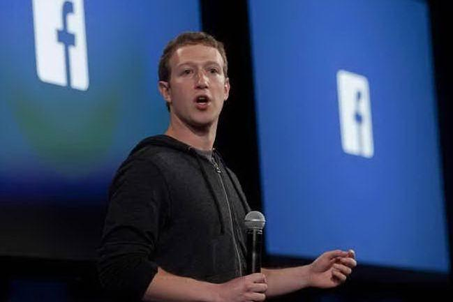 Hacker in azione: finisce online anche il numero di telefono di Mark Zuckerberg