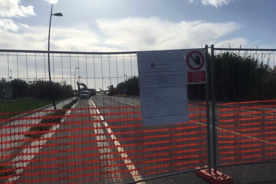 Quartu, è cominciata alle 7.30 del mattino la demolizione del ponte