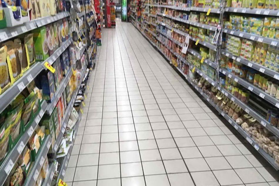 Sassari, rapina al supermercato: fermato un 33enne