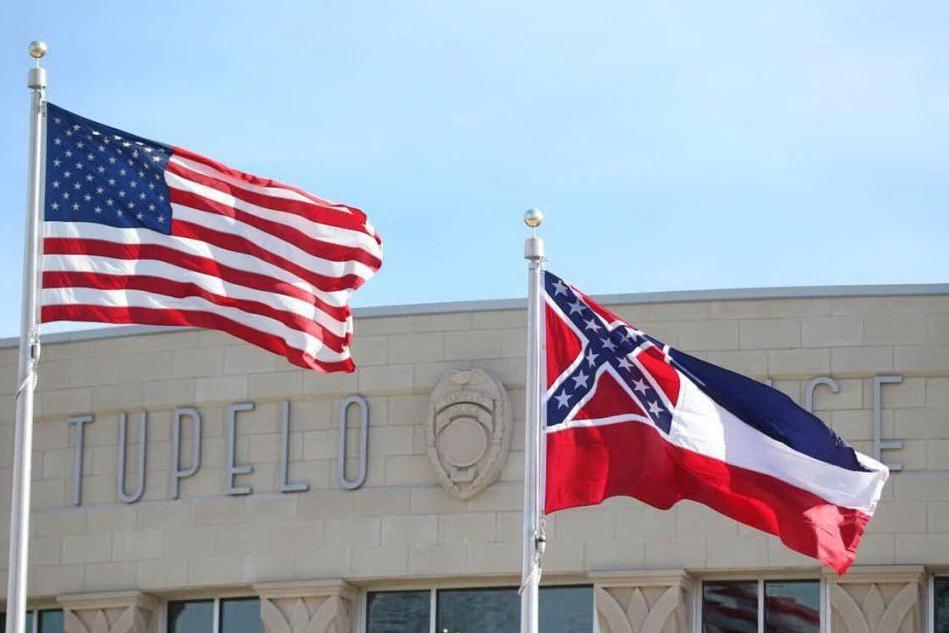 La svolta del Mississippi: via lo storico vessillo