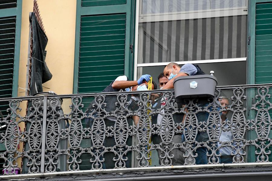 """Bimbo morto dopo la caduta dal balcone, convalidato il fermo per Cannio: """"Ho avuto un capogiro"""""""