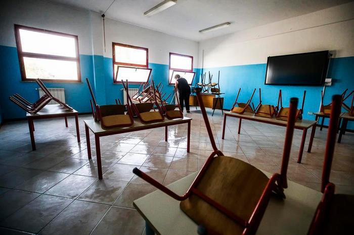 La scabbia si diffonde nelle scuole di Cagliari, Truzzu chiude altri due istituti