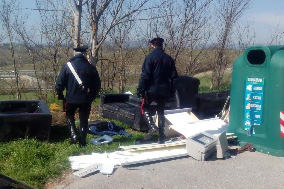 Guamaggiore, abbandonano rifiuti: multe per 26mila euro