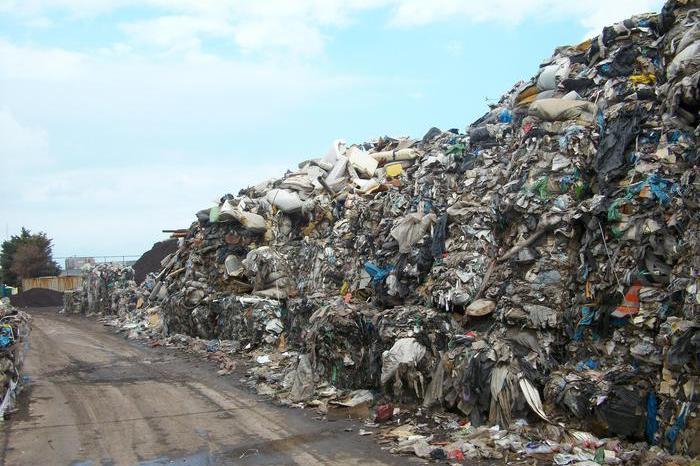 Sversati 85mila metri cubi di rifiuti nelle falde acquifere, sei arresti