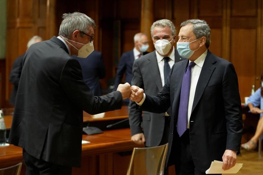 """Sicurezza sul lavoro, prima intesa tra Draghi e sindacati: """"Il confronto va avanti"""""""