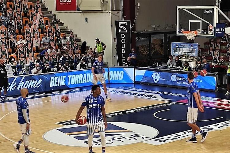 Basket Supercoppa: colpaccio della Dinamo a Varese per 92-82