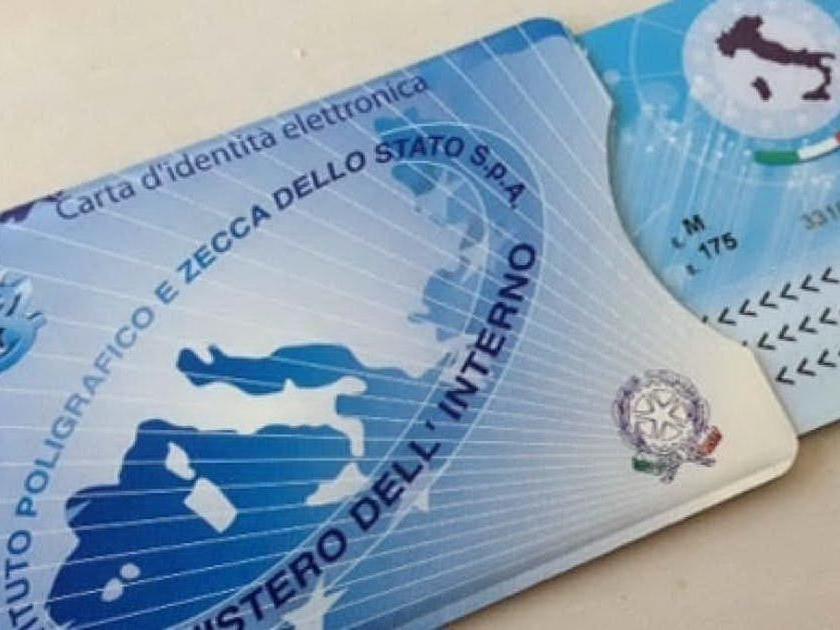 Carte d'identità elettroniche difettose per 350mila italiani: saranno sostituite