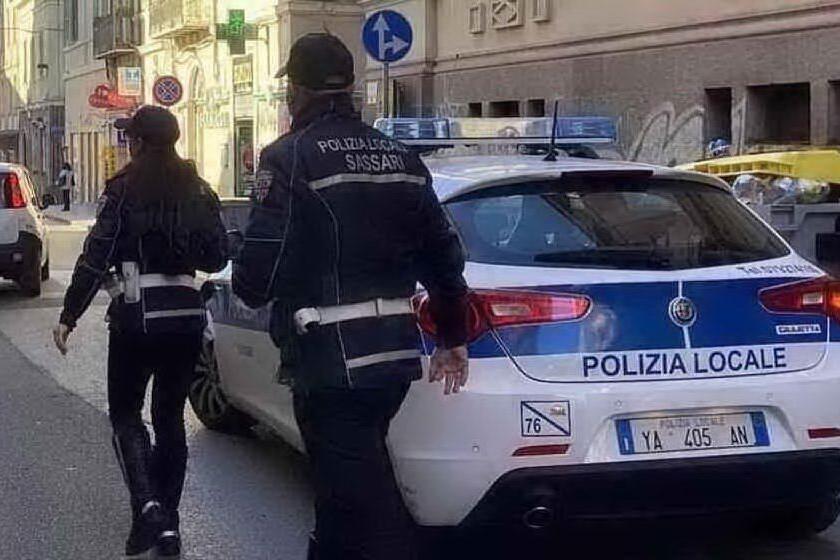 Troppi assembramenti a Sassari: 31 multe in due sere, 28 sono giovanissimi