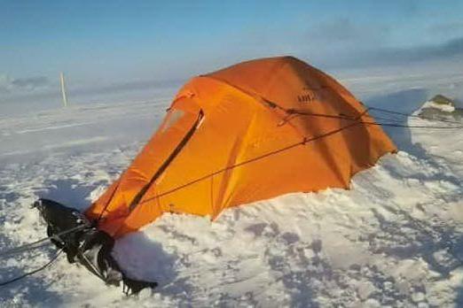Attraversa l'Islanda in solitaria, il viaggio in condizioni estreme di un 45enne sardo VIDEO