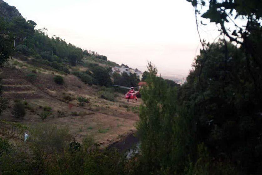 Villacidro, allarme per un incendio in pineta