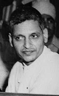Viene ucciso dal giornalista e fanatico indù Nathuram Godse (foto Wikipedia)