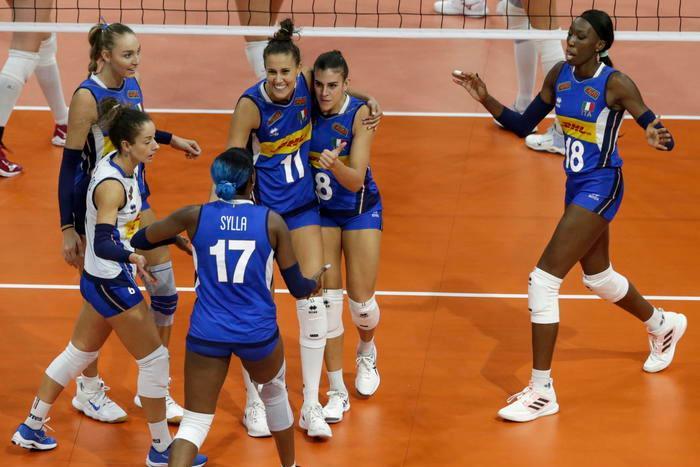 Europei di volley, le azzurre stendono l'Olanda e volano in finale contro la Serbia