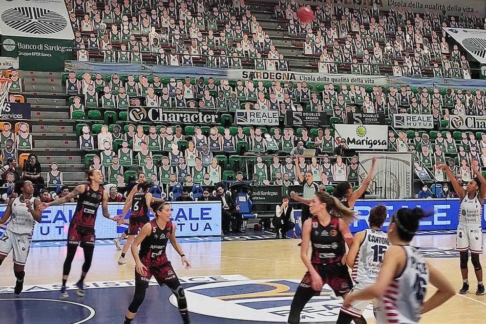Basket femminile, un avvio disastroso condiziona la Dinamo che perde col Geas 91-68