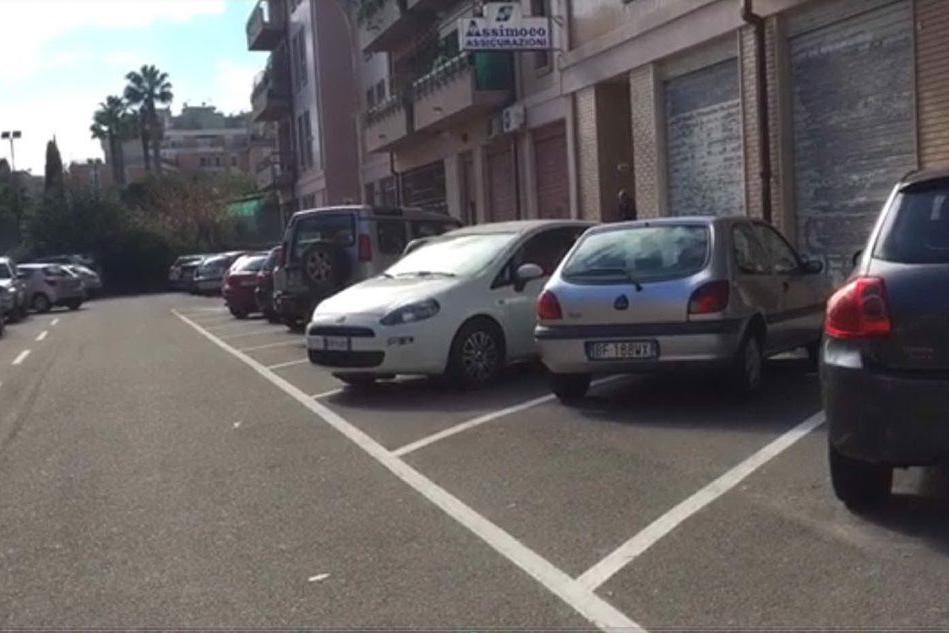 Cagliari, proteste in via Piceno: dimezzati i parcheggi per i residenti