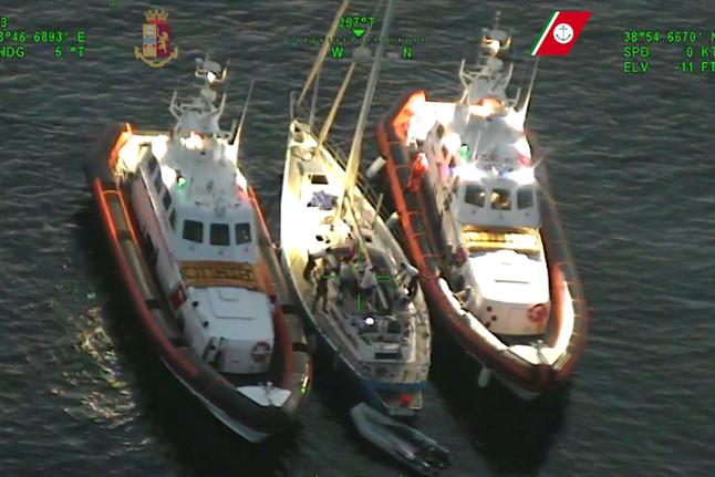 Pericolosi clandestini pronti a entrare in Italia: Cagliari, sgominata organizzazione transnazionale
