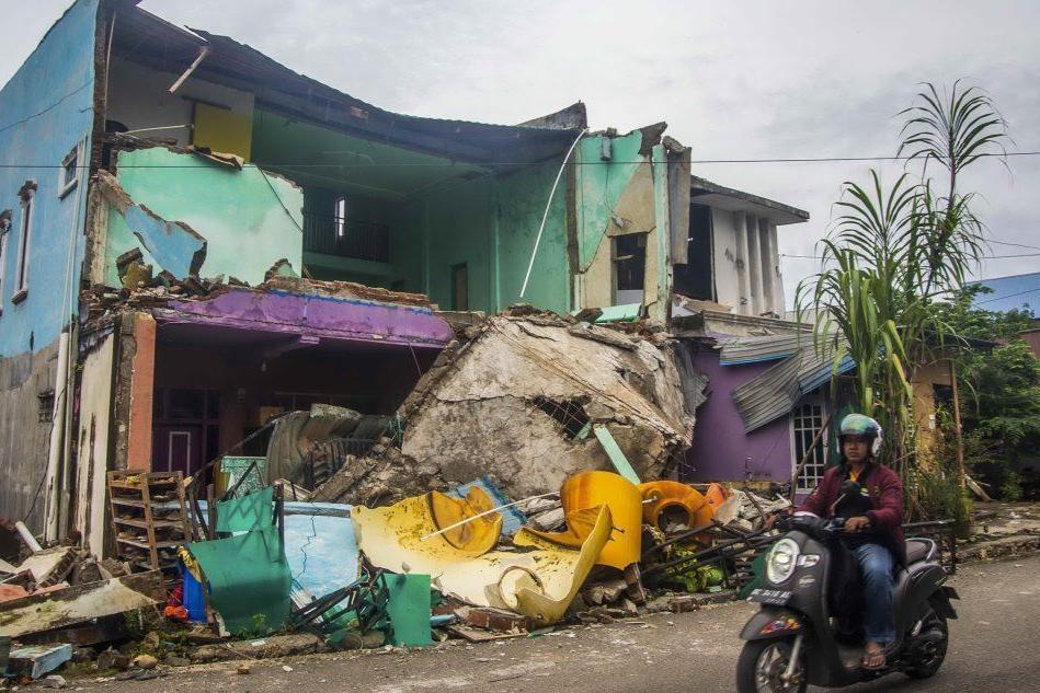Terremoto in Indonesia, sale il bilancio delle vittime