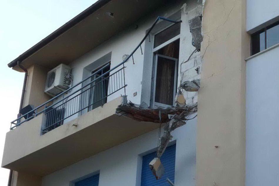 Sassari: un ferito nell'esplosione di una caldaia in un appartamento