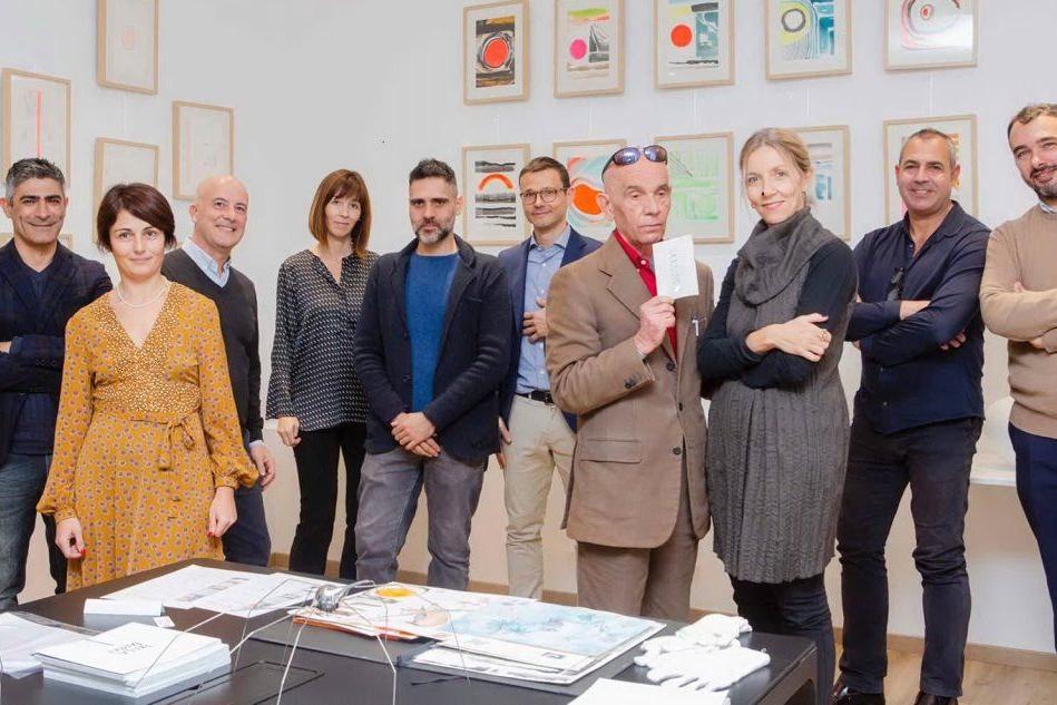 Nove artisti e 50 metri di parete sul tema del paesaggio: la mostra a Cagliari