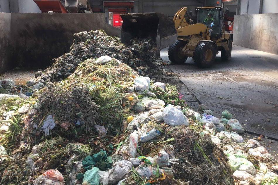 Raccolta dei rifiuti, le spese dei Comuni sardi