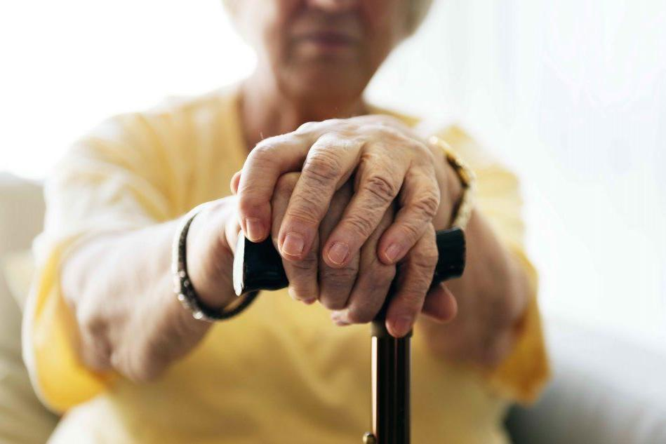 """""""Ora invecchiamo per essere curati: cambiamo rotta"""""""