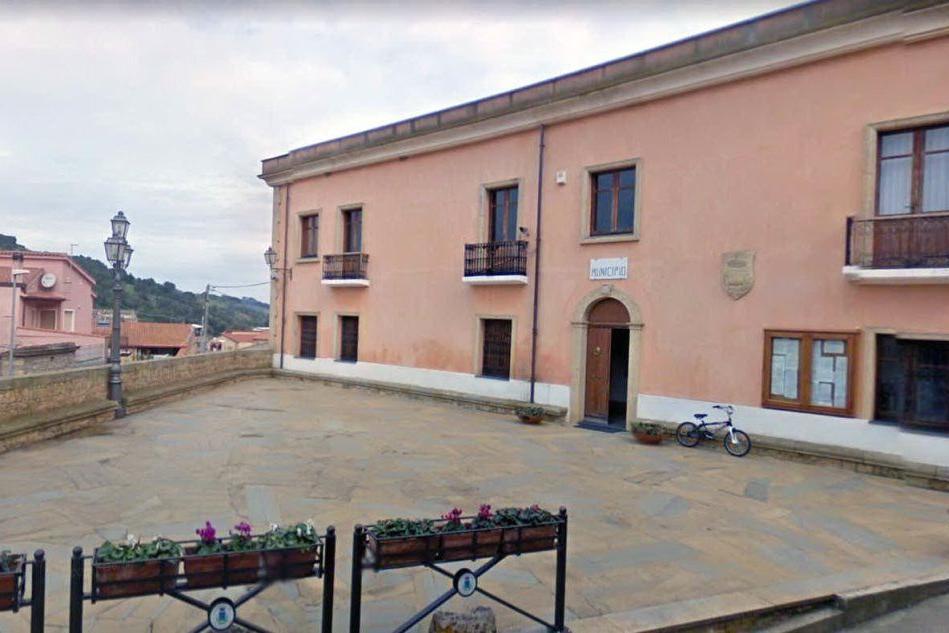La piazza Giovan Battista Tuveri a Collinas (foto L'Unione Sarda - Pintori)