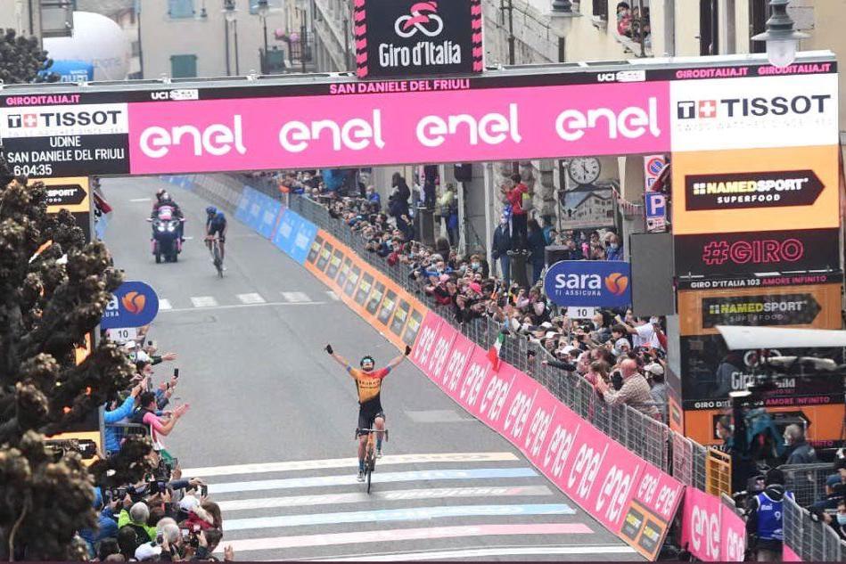 Jan Tratnik (foto Twitter Giro d'Italia)