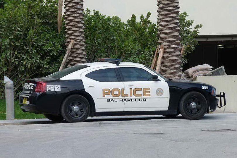 Inseguimento dopo la rapina in Florida: sparatoria tra polizia e banditi