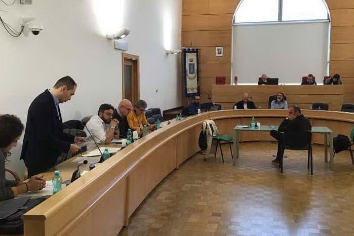 """Segre cittadina di Porto Torres, un consigliere dice no: """"Esperienza tragica, sì, ma come tanti altri"""""""