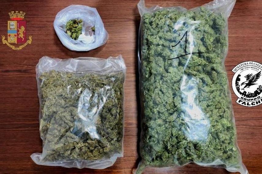 Spaccio di droga aCapoterra: due arresti, recuperati 1,5 kg di droga