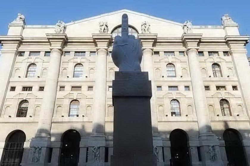 Borse, Milano in rialzo con Unicredit e Leonardo