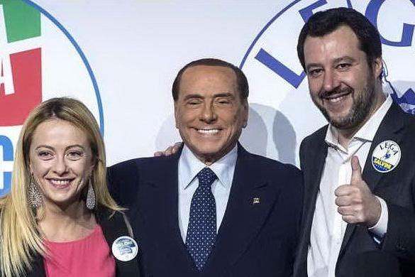 Il centrodestra trova l'accordo: Caldoro in Campania, Ceccardi in Toscana e Fitto in Puglia