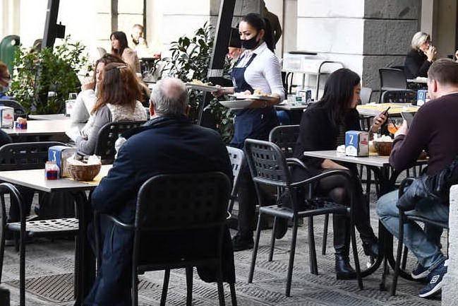 Non rispettano le regole anti-Covid: chiusi sei bar a Olbia